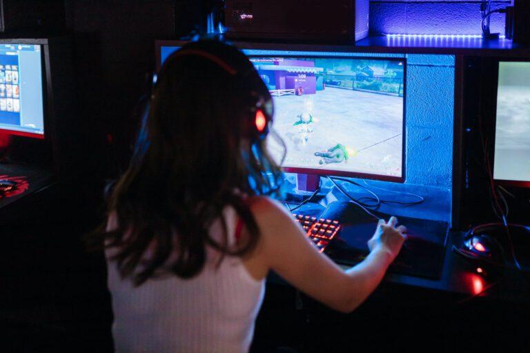 Machen gewalthaltige Computerspiele uns aggressiv?